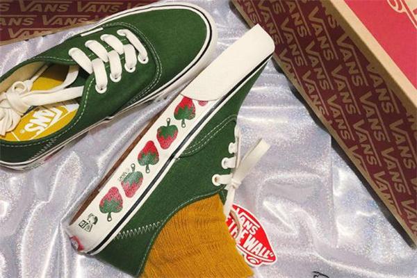 vans小草莓真假对比 vans草莓鞋真假鉴定