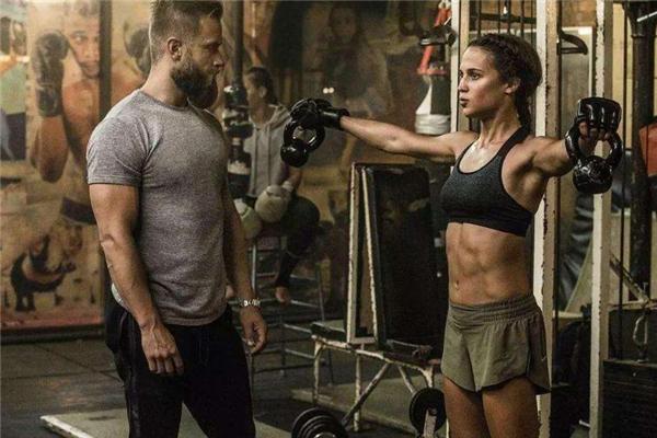 产后腹直肌分离自己能恢复吗 要结合锻炼
