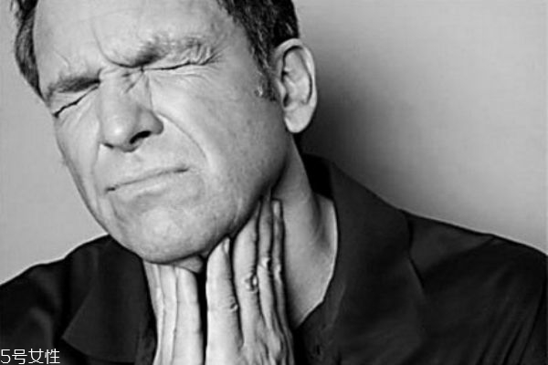 咽喉炎吃什么食物好 咽喉炎禁忌什么食物