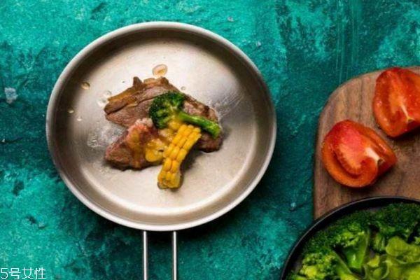 冬天晚上不吃饭能减肥吗图片