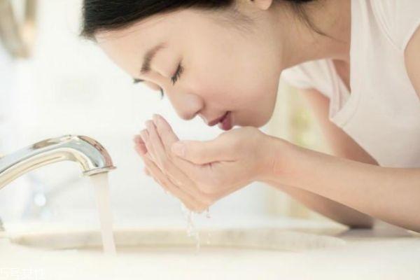柠檬敷脸后要洗脸吗 柠檬汁美容使用误区