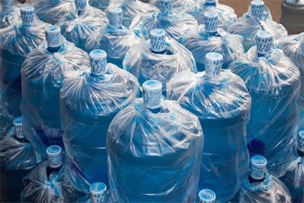 蒸馏水和纯净水的区别是什么 蒸馏水能喝吗