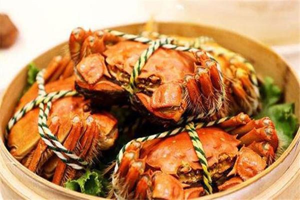 螃蟹能和牛肉一起吃吗 螃蟹怎么吃好