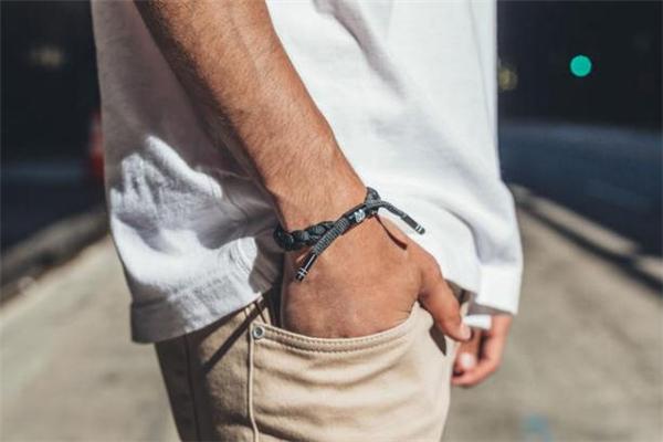 rastaclat小狮子手链为什么那么贵 爆款手链的背后