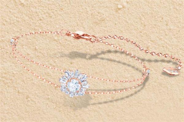 施华洛世奇太阳花手链多少钱 母亲节最好的礼物