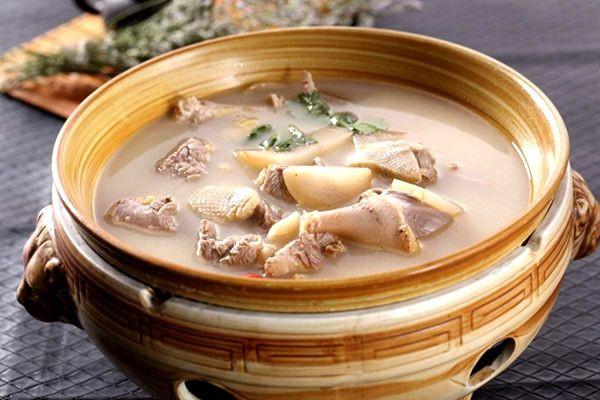 老鸭汤的功效与作用 老鸭汤好吗