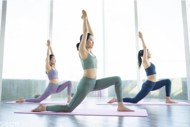 女人多少岁补钙?氨糖软骨素的功效和作用不能忽视