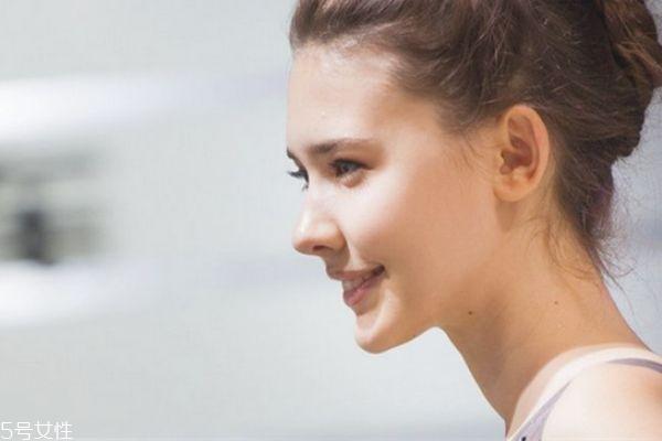 玻尿酸隆鼻外扩怎么办 玻尿酸隆鼻会变宽吗