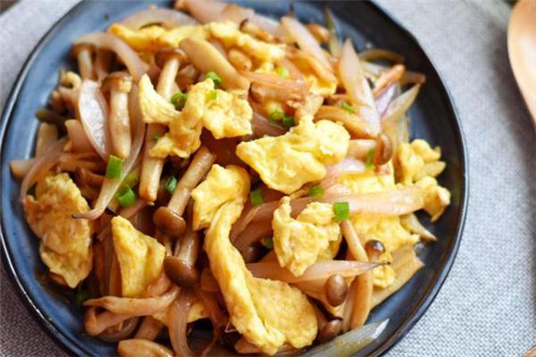 蟹味菇可以和鸡蛋一起吃吗 蟹味菇炒鸡蛋的做法