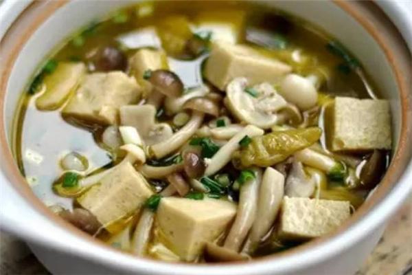 蟹味菇汤的家常做法 蟹味菇煲汤小技巧