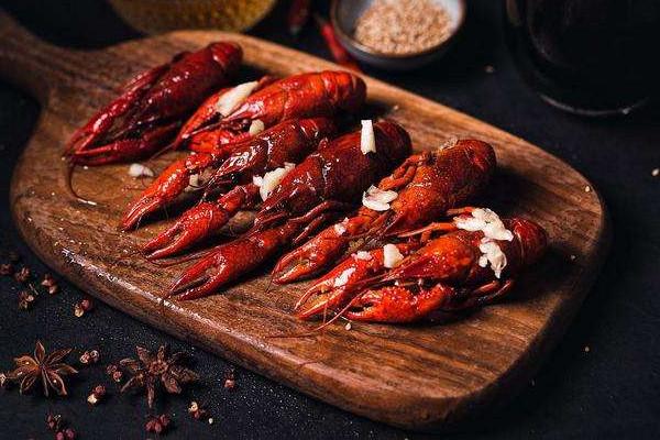 龙虾为什么会脱壳 龙虾脱壳原因是这样