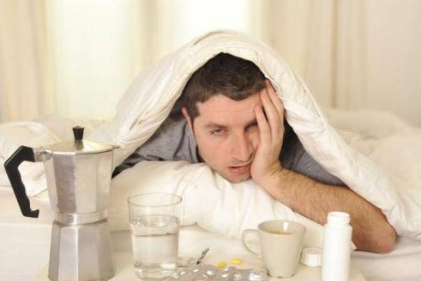 宿醉头疼怎么缓解 喝酒后头疼简单的妙招