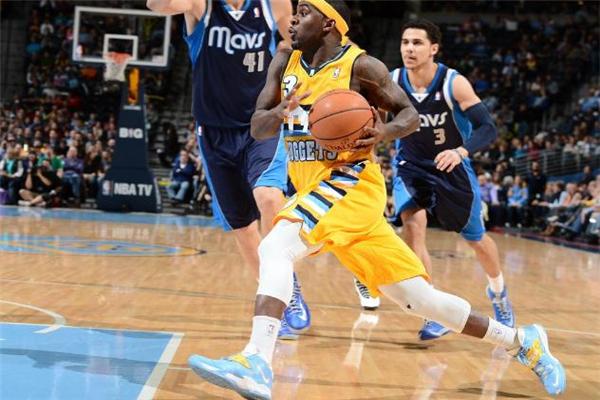 打篮球怎么保护膝盖 热身运动不能少