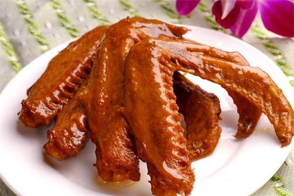 鸭翅怎么卤才好吃 卤鸭翅的做法及配料