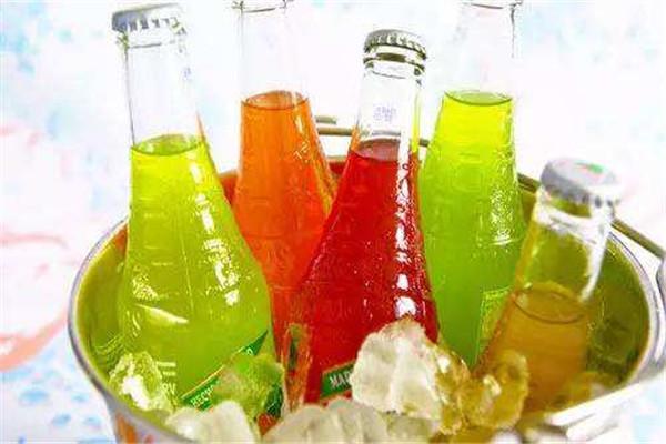 含糖饮料能多喝吗 原因是这样