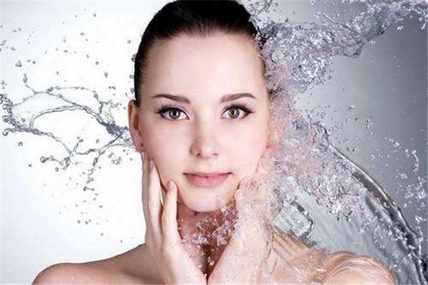 用凉水洗脸好吗 洗脸的方法