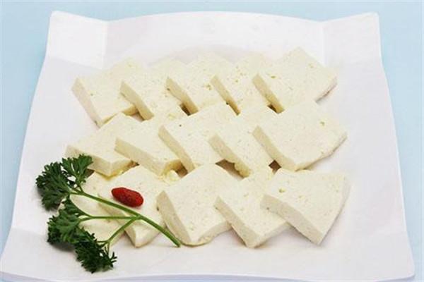 吃豆腐可以喝酸奶吗 原因是这样