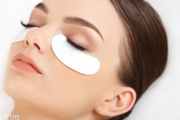 眼贴和面膜能一起用吗 眼贴和面膜的顺序