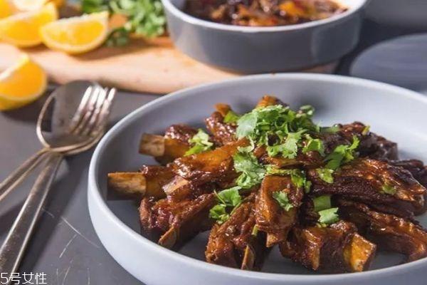 炖羊肉怎么做好吃 清炖羊肉最简单的做法