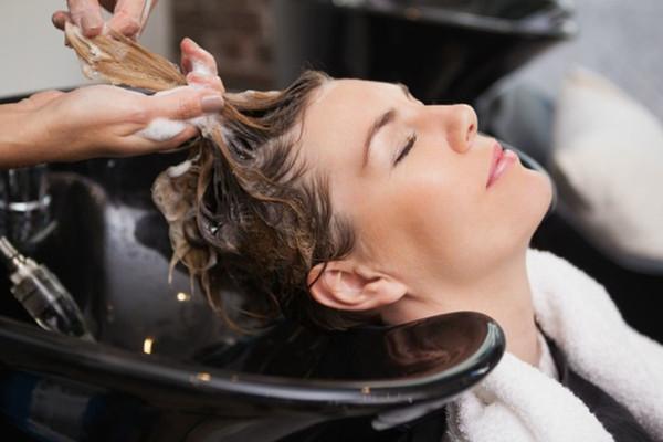 头发越洗越痒是为什么 可能是你洗头方式不对