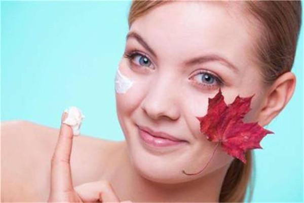 防晒霜和隔离霜哪个先用 先隔离还是先防晒
