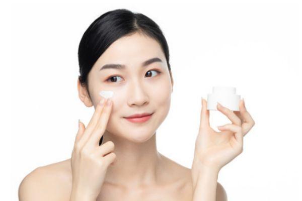 水乳后直接用气垫好不 化妆前的护肤顺序