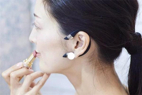 ear up瘦脸耳环有用吗 日本黑科技产品
