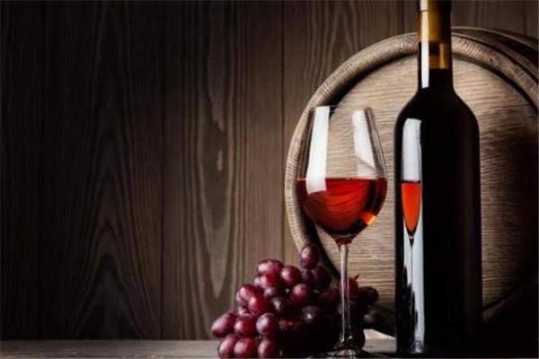 红酒是否可以减肥 红酒可以减肥吗