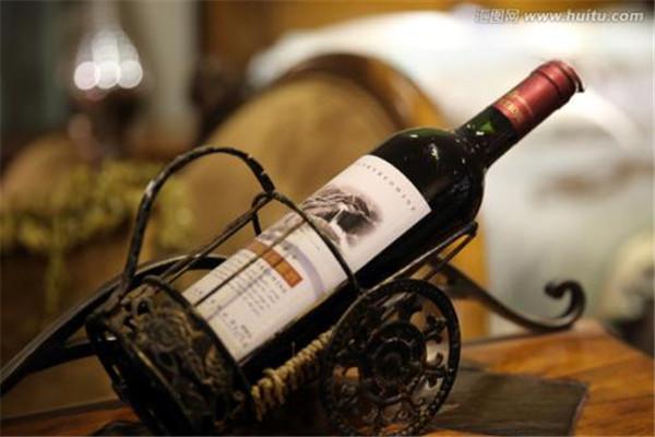 红酒不能和什么一起吃 红酒的禁忌是什么