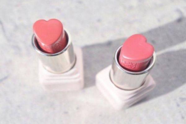 春天涂什么颜色的口红好看 适合春天的口红色号