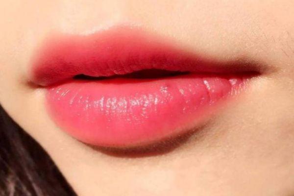 素颜可以涂口红吗 最适合素颜涂的口红