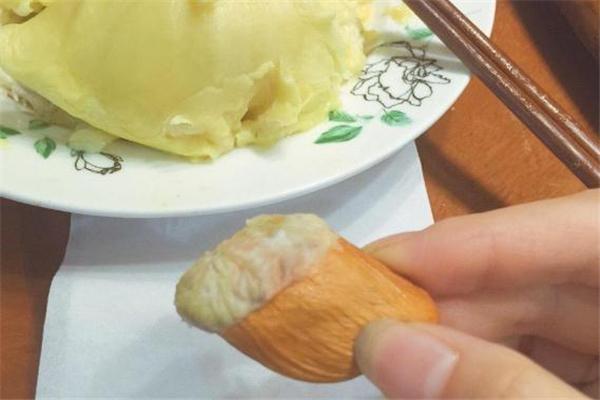 榴莲的核能生吃吗 榴莲核的吃法大全