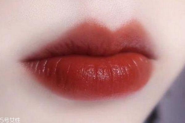 阿玛尼红管真假鉴别图 真假阿玛尼唇釉