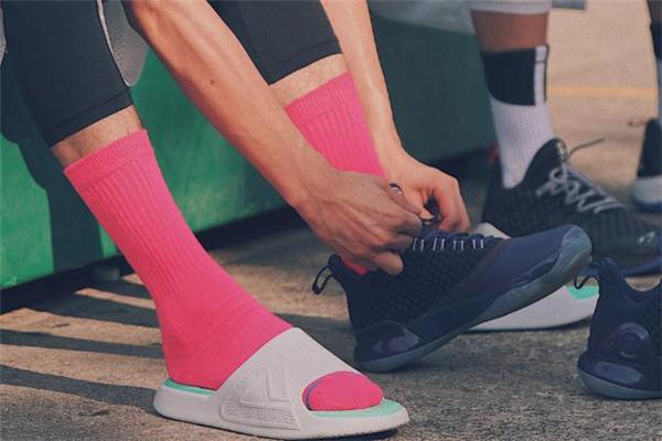 匹克态极拖鞋多少钱 匹克态极拖鞋发售时间