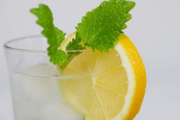 喝柠檬水可以美白吗 柠檬水的美白多久见效