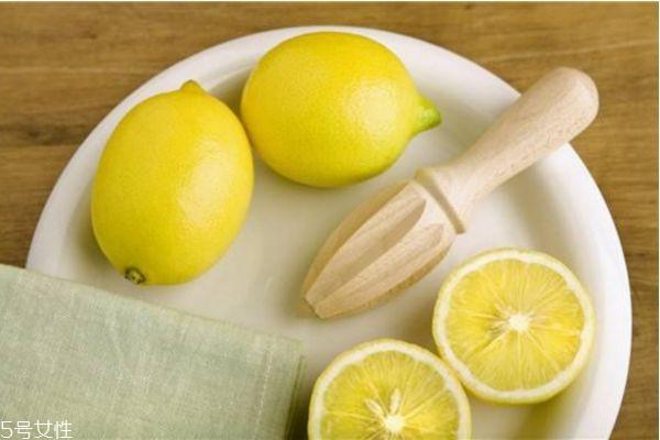 柠檬美白的正确方法 柠檬快速美白