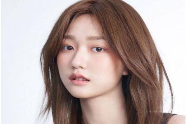 发际线高女生适合发型 发际线高女生发型图片
