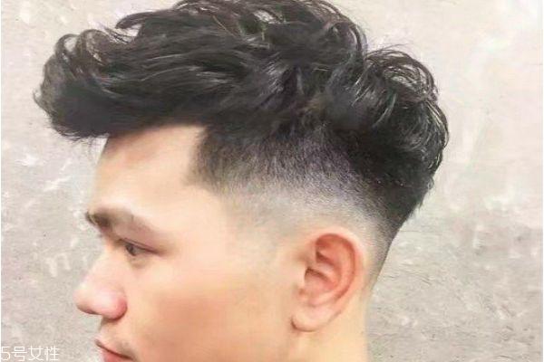 头发少适合什么发型男 男生头发稀少发型好看