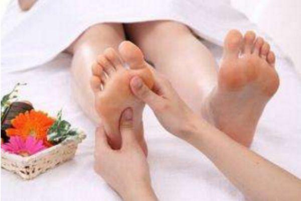 脚底按摩的好处 脚底按摩减肥法