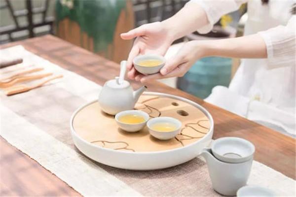 夏天喝茶能减肥吗 夏天喝茶能瘦身吗