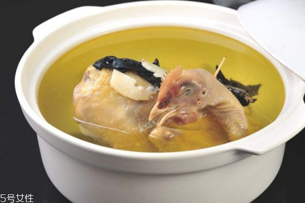 早上喝鸡汤好吗 早上空腹喝鸡汤好吗