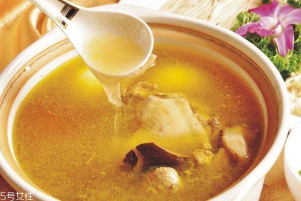 鸡汤什么时候喝最好 鸡汤什么时候喝最有营养