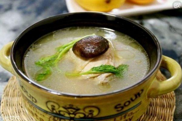 香菇炖鸡汤怎么做 香菇炖鸡汤的做法