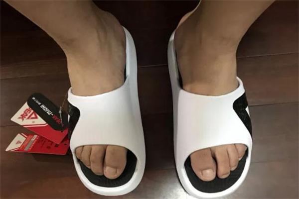 匹克态极拖鞋测评 态极拖鞋怎么样