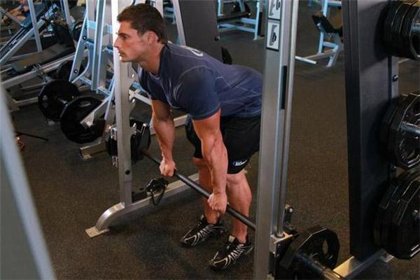 直腿硬拉和屈腿硬拉的区别 直腿硬拉和屈腿硬拉哪个好