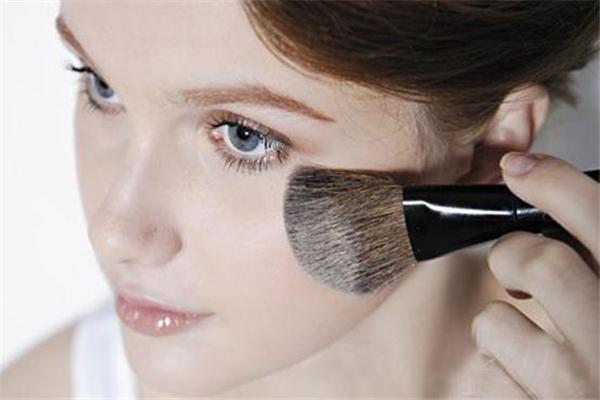 烘焙定妆法适合干皮吗 烘焙定妆不会闷吗