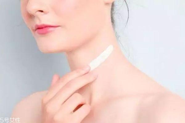 颈纹有办法消除吗 消除颈纹的办法