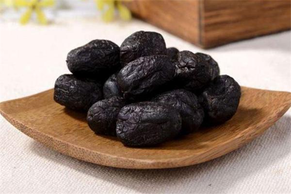 黑枣和乌枣是一种枣吗 黑枣和乌枣有什么区别
