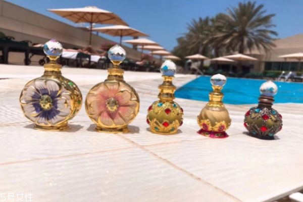 迪拜的香精怎么使用 迪拜香精使用方法
