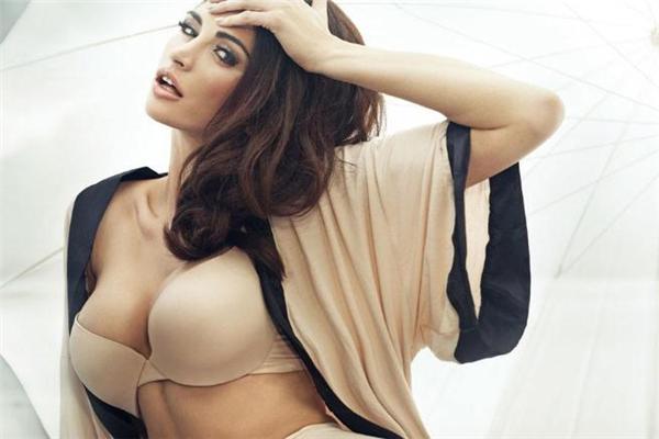 缩胸手术适合多大年龄女性做 巨乳缩小最佳年龄
